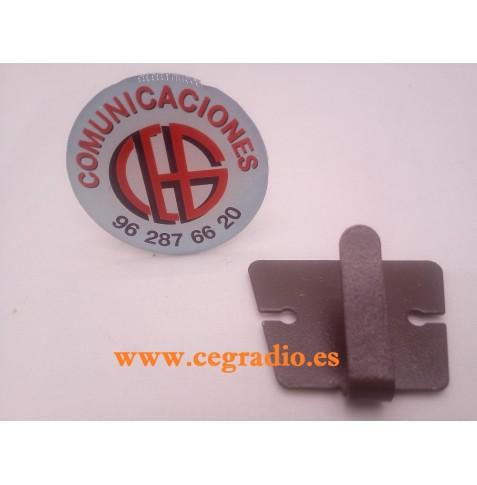 Soporte Clip Microfono Metalico ICOM Kenwood QYT YAESU Vista Frontal
