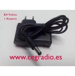 Cargador 8,4V / 1 Amp